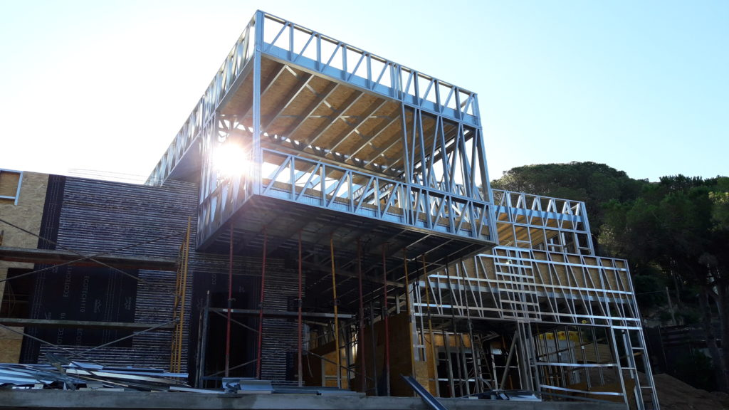 voladizo steel framing